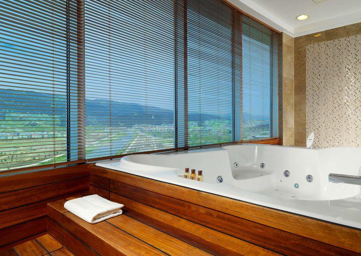 Sheraton Bursa Hotel Presidential Suite Bathroom 2