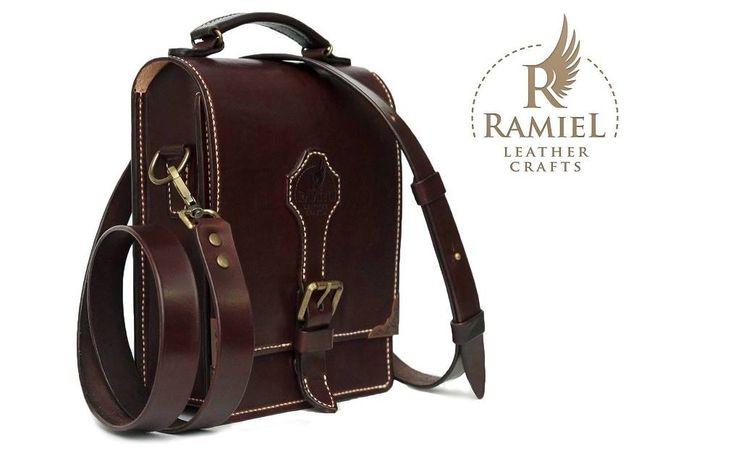 Veg tanned cowhide messenger bag. Size: 23/18/7 cm. Hand stiched. Dark brown dye #RamielLeatherCrafts #messengerbags #leatherbags #vegtannedleather #leather #bags #messenger #fullgrainleather
