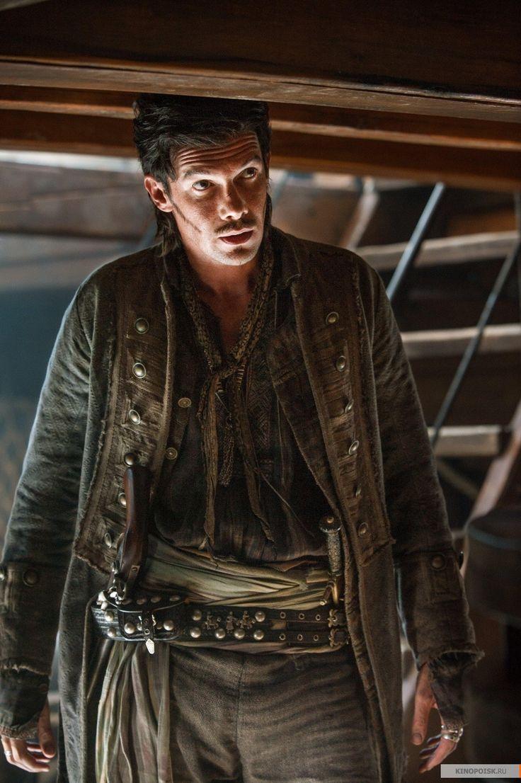 Black sails s3 pirate captain flint leather coat - Jack Rackham Toby Schmitz In Black Sails Season 2 Tv Series