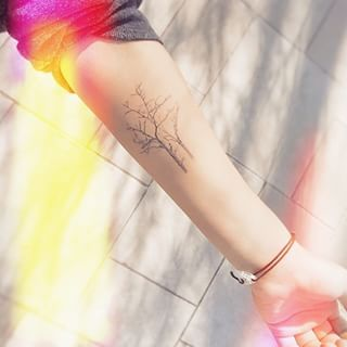 Ces arbres délicats.   26 magnifiques tatouages qui vont inspirer tous les amoureux de la nature