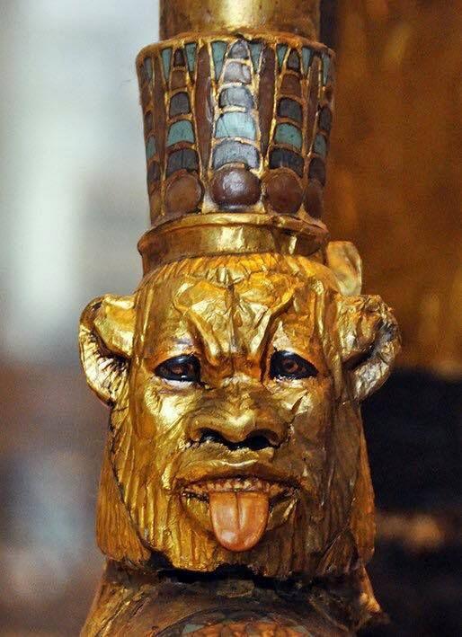 """""""Particolare di uno dei carri rinvenuti nella tomba di Tutankhamon."""" ^**^"""