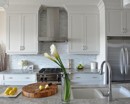 White Kitchen Cabinets Bianco Carrara Marble Counters Bianco Carrara Marble Random Splitface Backsplash Www Westsidetile