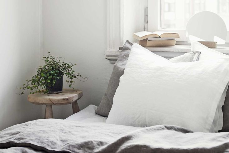 This is how often you should replace your pillows