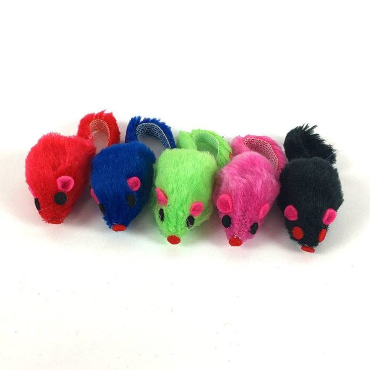 Ratinhos de pelúcia com cores sortidas, para divertir o seu gato. Os brinquedos fazem com que seu gato não fique tão entediado e estimula sua atividade física.