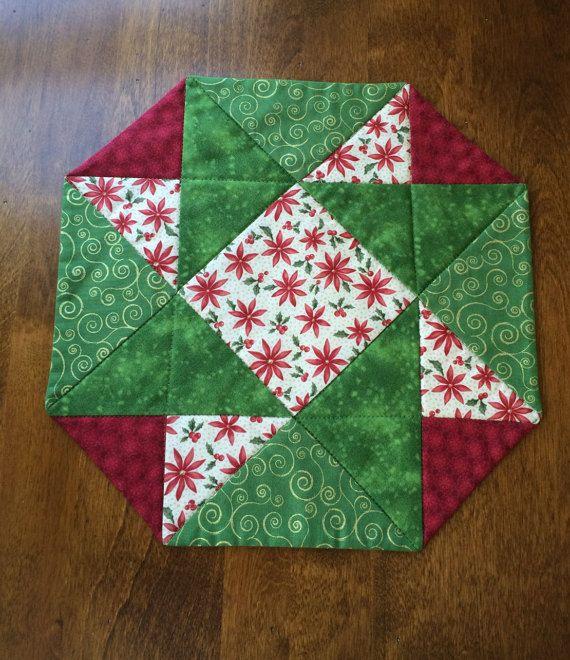 Navidad rojo verde y Beige Poinsettia acolchado por seaquilt