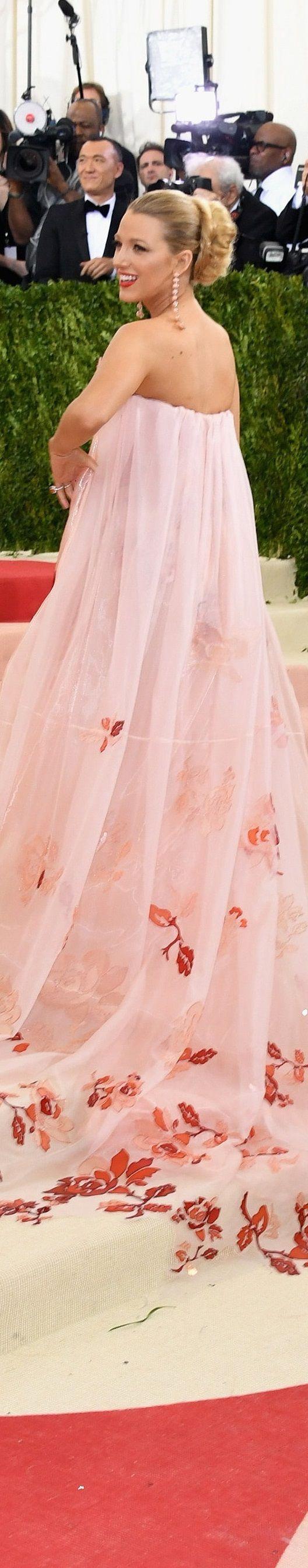 Encantador Blake Animado Vestido De Novia Composición - Colección de ...