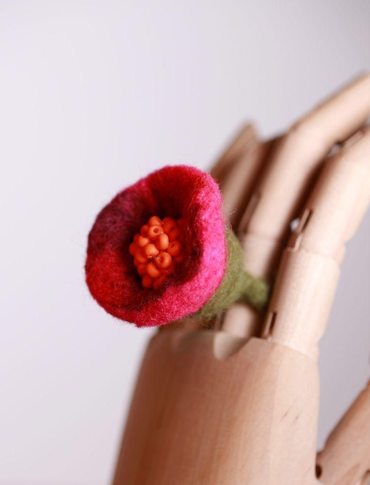 felt ring/pink flower