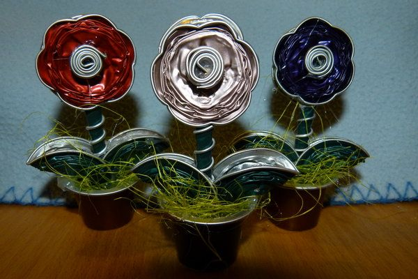 blumen, muttertag, basteln, recycling, blumengruß, upcycling, idee, aus-alt-mach-neu, mitbringsel, nespresso-kapseln, kunstblumen, pocketflowers