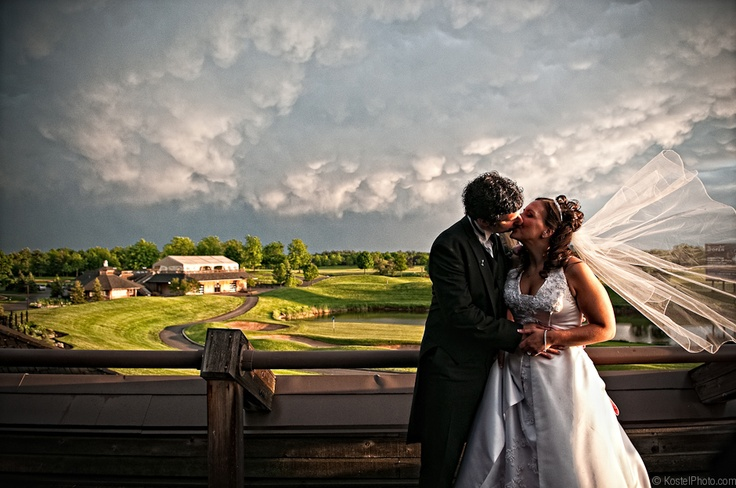 Beautiful image taken on the grounds of Glen Abbey Golf Club #clublinkwedding captures by Kostel Photography.