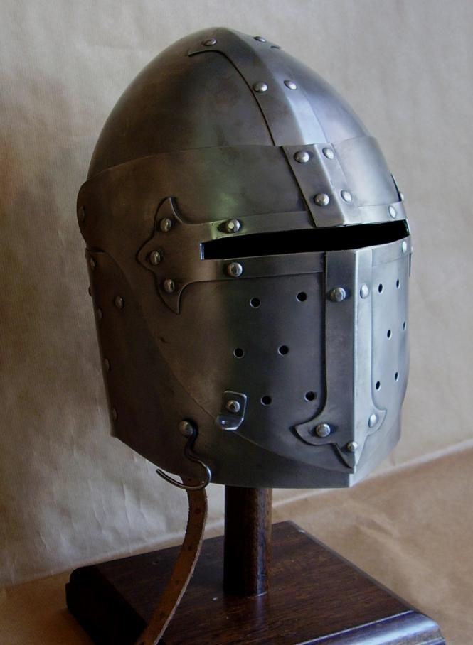 medieval helmets - Pesquisa Google