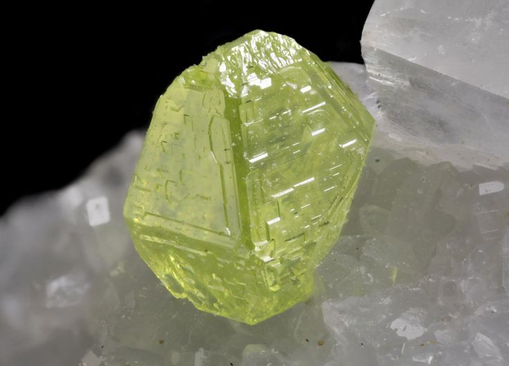 See Pictures of Different Types of Crystals: Sulfur Crystal