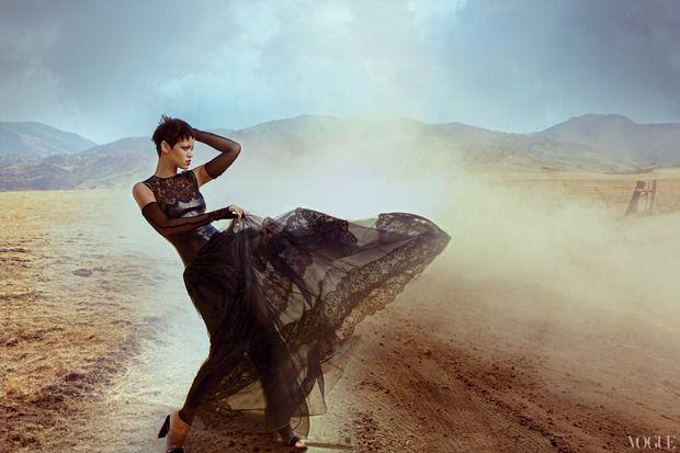 Рианну сняла Энни Лейбовиц для ноябрьского Vogue US. — Look At Me — Посты — поток «Фотография»