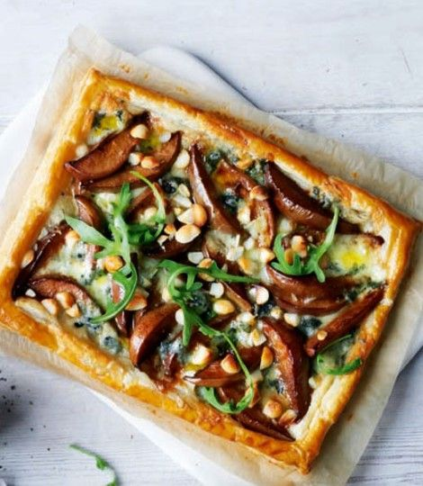 Blue cheese, pear and rocket puff pastry tart