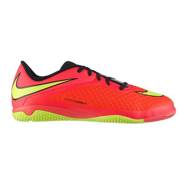 Sepatu Futsal Nike Jr Hypervenom Phelon Ic 599811-690 terbuat dari bahan yang sangat berkualitas, sehingga anda tidak perlu khawatir akan kenyamanan yang diberikan. Harga sepatu ini Rp 589.000