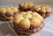 Biscotti Ripieni al Cioccolato con Ciliegia - Chocolate Cherry Biscuits