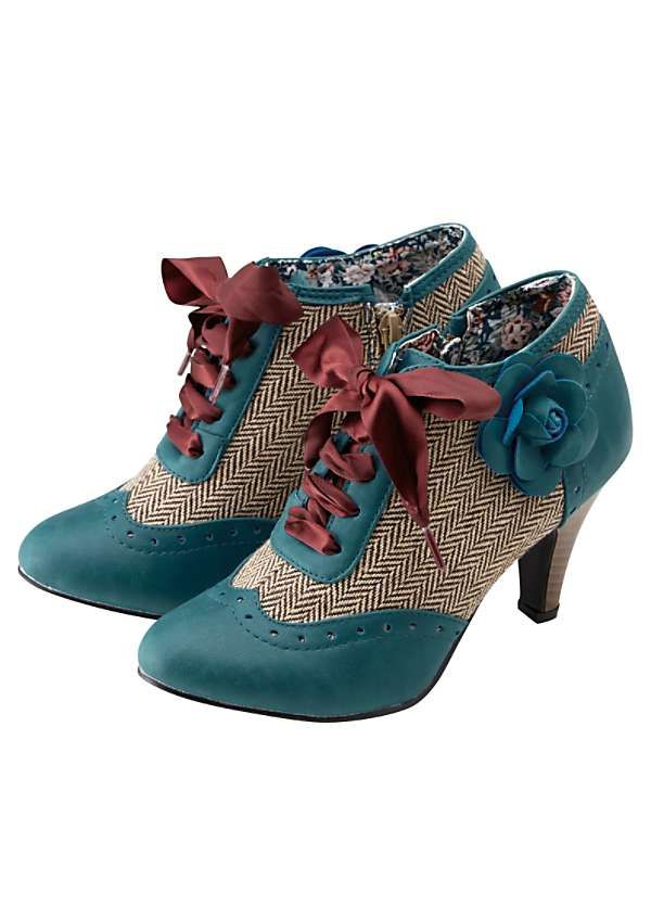 Amazing Corsage Shoe Boots by Joe Browns