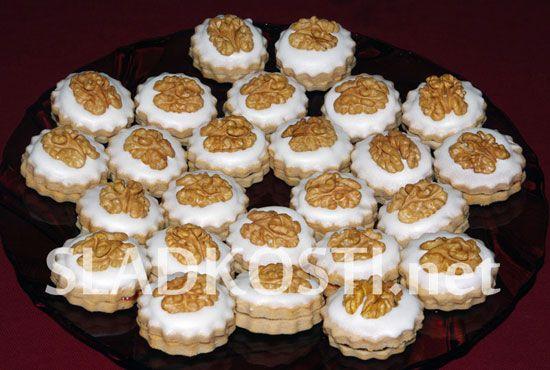 Rybízové dortíčky s citrónovou polevou