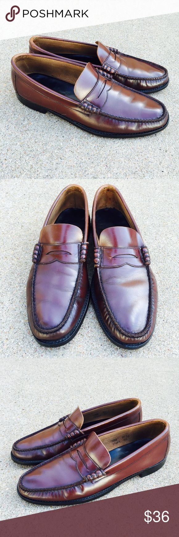 Florsheim Men's Shoes Burgundy Leather Slip On Lovely Florsheim mens shoes neolite burgundy leather slip on loafer moc toe Size 10.5B Condition. Pre-owned, wear and some fading, inside and wear also on outsoles and heels. Florsheim Shoes Loafers & Slip-Ons