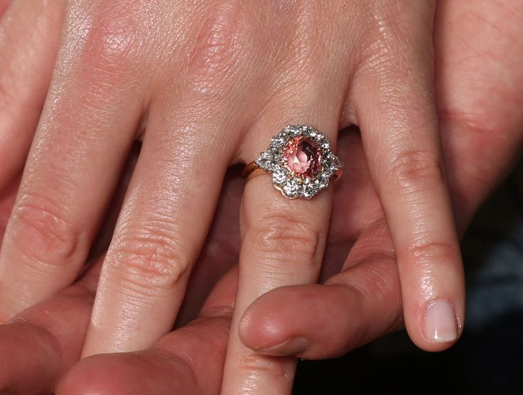 Princess Eugenie's pink sapphire engagement ring | Photo: Getty Images