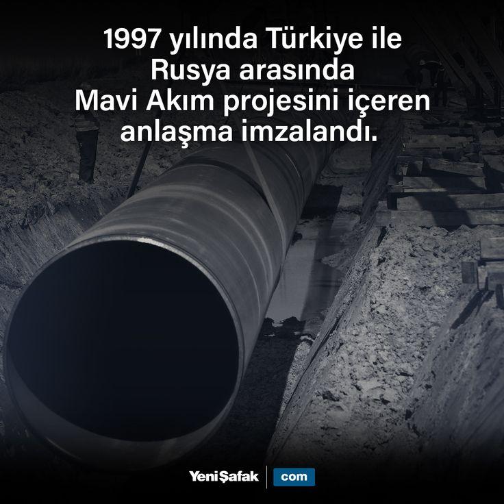 1997 yılında Türkiye ile Rusya arasında Mavi Akım projesini içeren anlaşma imzalandı. Mavi Akım Rusya'dan Türkiye'ye doğal gaz nakletmek için Karadeniz geçişli büyük boru hattıdır. 1213 kilometre uzunluğunda doğalgazı taşıyan boru hattının, yaklaşık 380 kilometresi, Karadeniz'in altından geçmektedir. Deniz altındaki boru hattı, 2150 metre derinlikle, yeryüzünün en derindeki boru hattıdır. Yıllık 16 milyar metre küp kapasiteli boru hattından Türkiye, 2002 yılı sonundan bu yana gaz almaktadır…