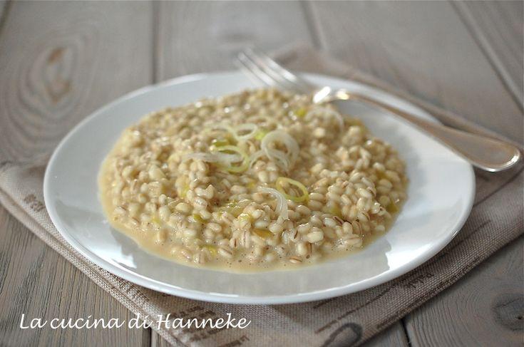 Un primo cremosissimo e molto gustoso: l'orzotto ai porri! Un piatto che in queste prime giornate fredde dell'autunno ci fa sicuramente piacere mangiare!