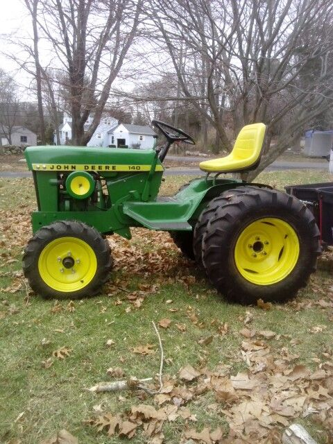 Side view of the same 1969 John Deere 140 garden tractor...