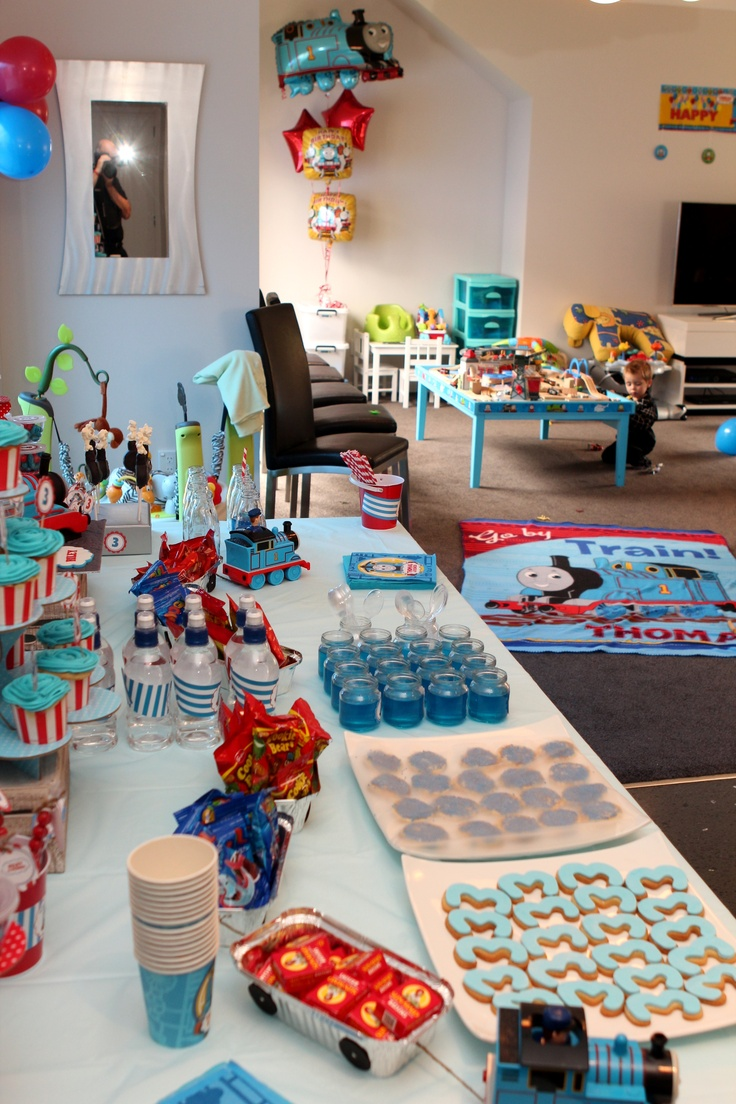 19 best thomas the tank engine party images on pinterest engine motor engine and 3 years. Black Bedroom Furniture Sets. Home Design Ideas