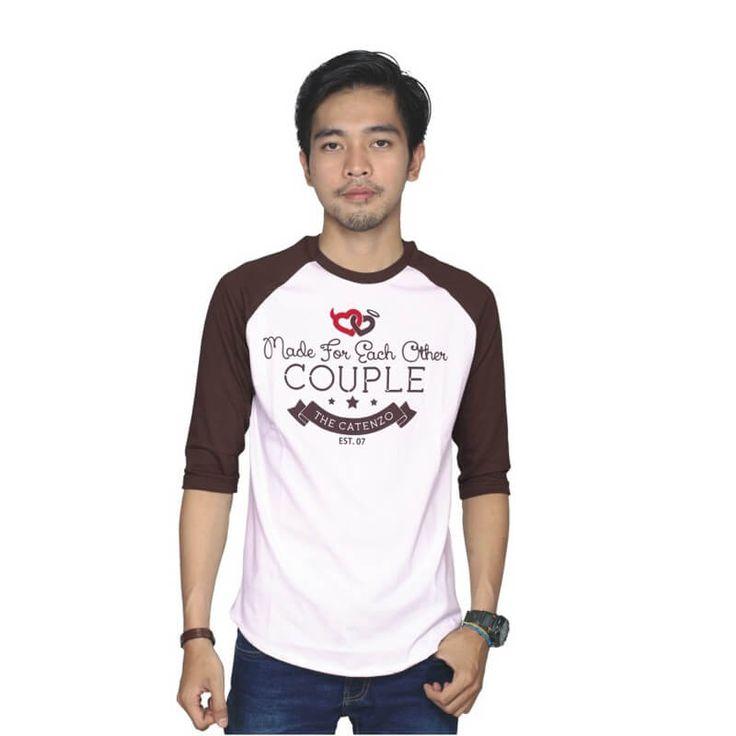 Kaos Distro / T-Shirt Couple Pria - PS 135. Produk fashion handmade asal Bandung dengan bahan nyaman digunakan, desain trendy dan tidak pasaran. Membuat tampil percaya diri.  Detail Produk:   Ukuran: S - XL  Bahan: COTTON  Warna: PUTIH  Yuk di order, belanja lebih hemat.   #Catenzo #Couple