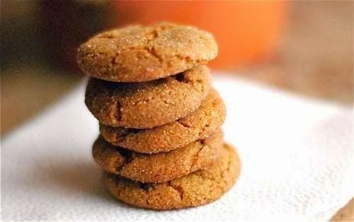 ΘΡΕΠΤΙΚΗ ΑΞΙΑ για κάθε κουλουράκι :  100-130 θερμίδες  4γρ πρωτεΐνες  14γρ υδατάνθρακες (8 φυσικά ζάχαρα)  6,5γρ λιπαρά  83mg Ασβέστιο  4...