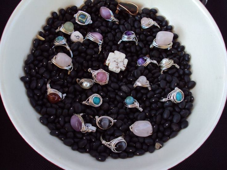 I so love the way my darlen' friend displays her rings !!! Good Idea's!  Hippie Hugs with Love, Chele