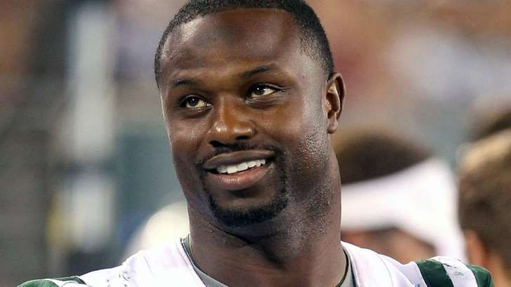 Bart Scott admits he hid in bathroom to avoid being signed by Browns