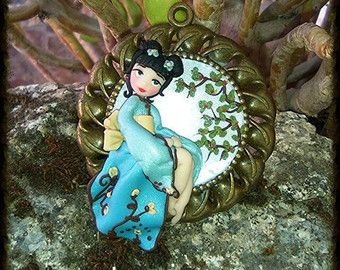 Geisha azul #colgante #arcilla polimérica #Hecho a mano #fimo #polimer clay #arte arima #arte #arima #polymer clay # disney# arcilla #doll #polymer #clay #fimo #kawaii #ooak #chibi #doll #polymerclaycharm #claycharm #charm #colgante #