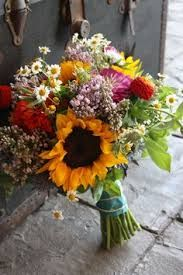2nd question of the day: sunflower wedding without being to much? - Weddingbee