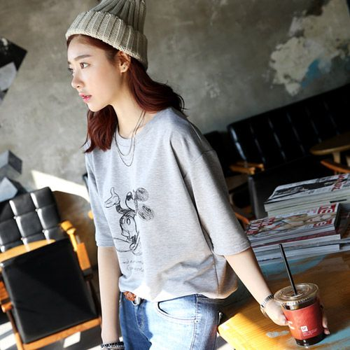 Womens Clothing Store [VANILLAMINT] Sketch T-shirt / Size : FREE / Price : 17.44 USD #dailyllook #dailyfashion #fashionitem #ootd #top #Tshirt #TEE #vanillamint http://en.vanillamint.net/