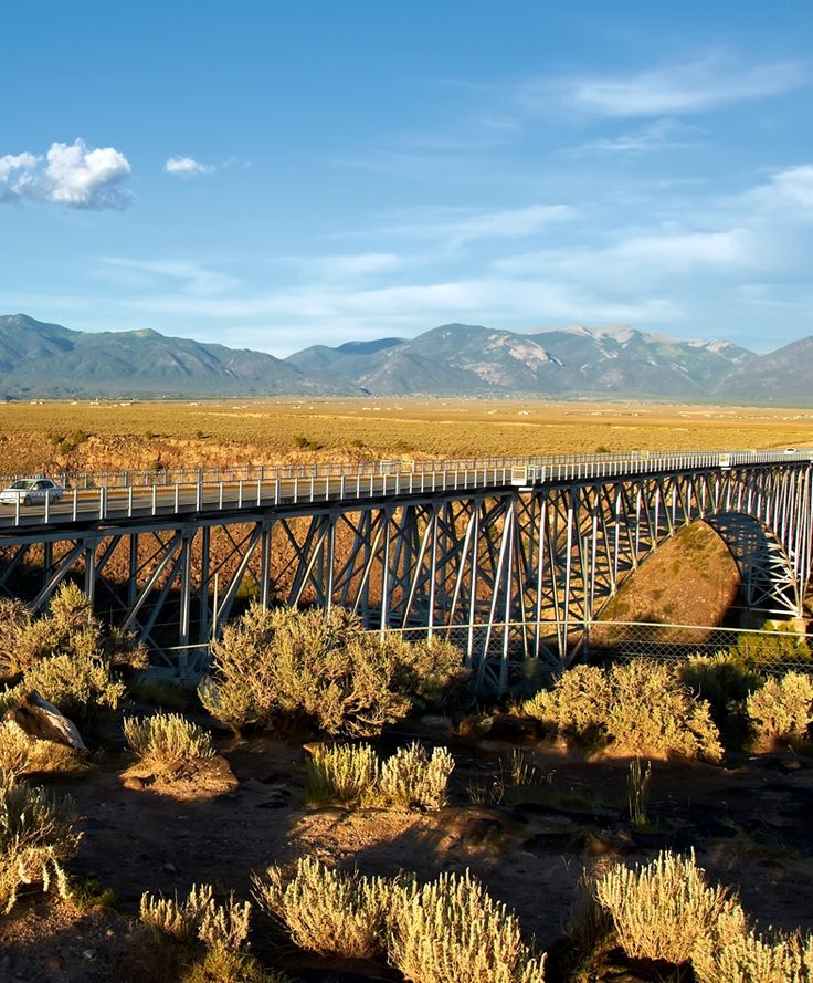 Rio Grande Gorge Bridge. Taos, New Mexico, USA.