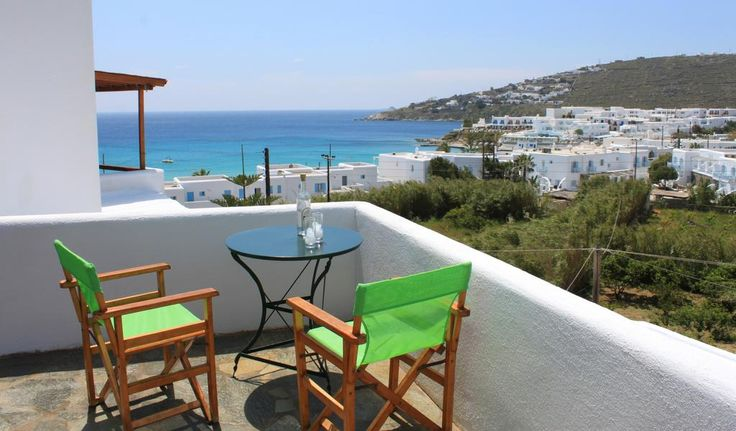Manos Studios || Offering a sun terrace, Manos Studios is located in Platis Yalos. Mýkonos City is 3.9 km away. Towels and bed linen are offered. The nearest airport is Mykonos Airport, 2 km from the property.