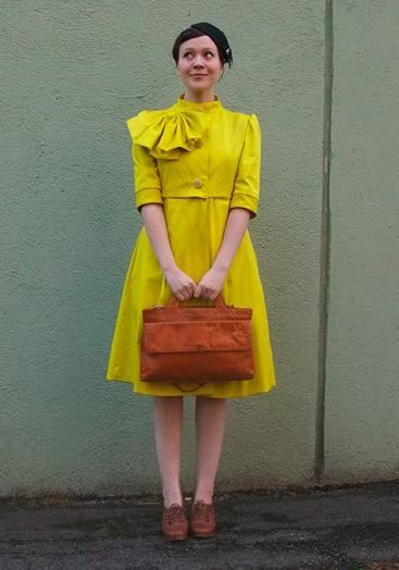 FINNISH #FASHIONBLOGGER RIIKKA AALTONEN IN A VINTAGE OUTFIT