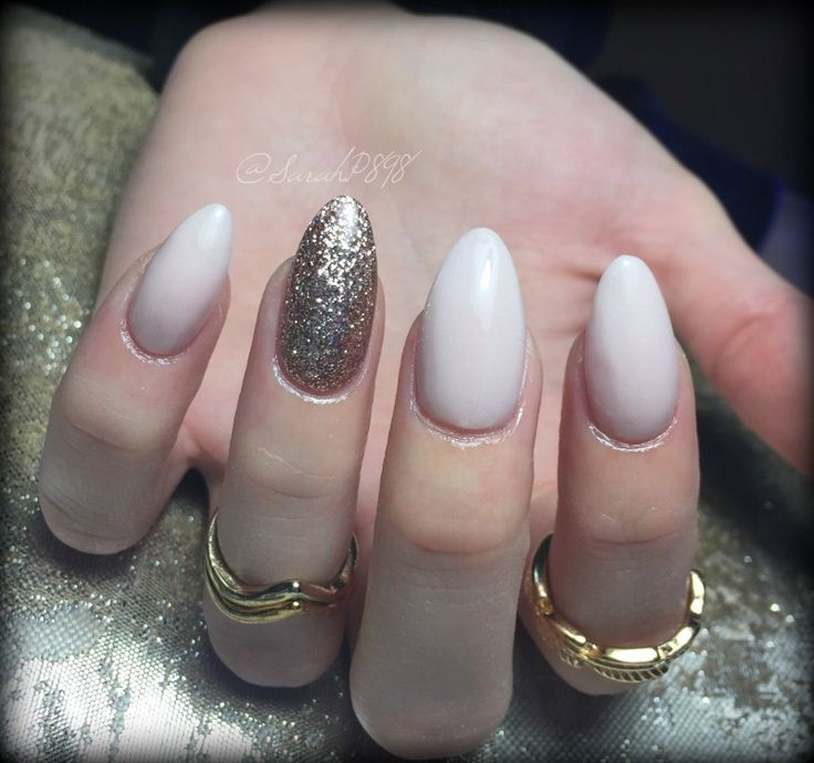 nude classy almond nails #rosegoldnails