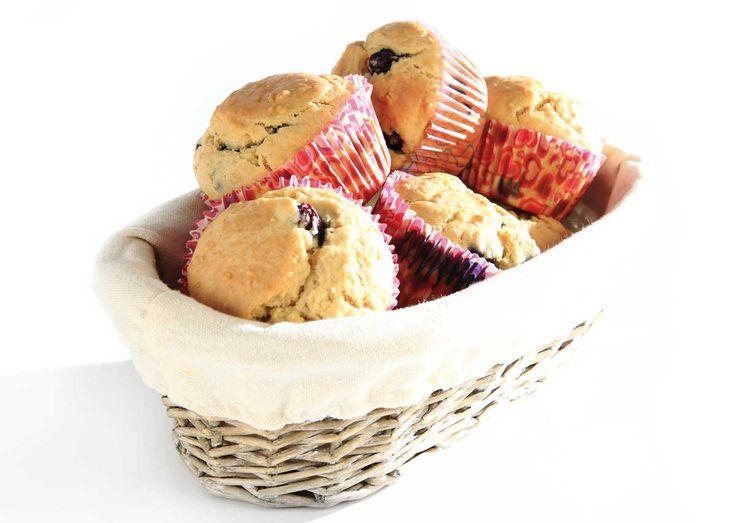 Blåbærmuffins med speltmel, Cocosa Extra Virgin kokosolje og Steviosa sukker. Full oppskrift: http://www.soma.no/oppskrifter/bakverk/blabaermuffins
