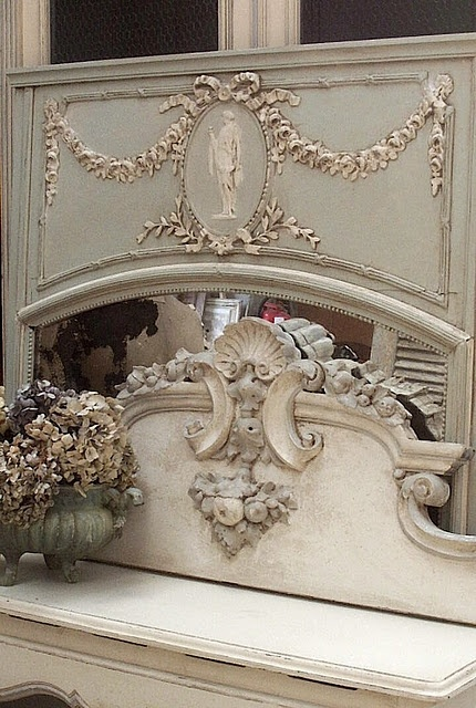 Ivory and grey: Antiques Stores, Grey Colors, Shabby Chic, Home Design Decor, French Chateau, French Vintage, French Mirror, French Furniture, French Design