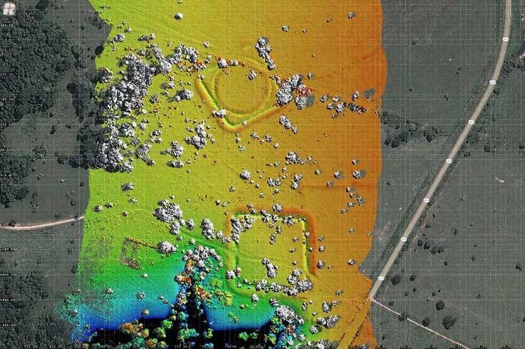 Pesquisa feita em grandes estruturas geométricas de terra construídas por povos pré-colombianos indica atividade agrícola com prática de recuperação de florestas (vista aérea do sítio Jacó Sá, com geoglifos em destaque/crédito: Salman Kahn)