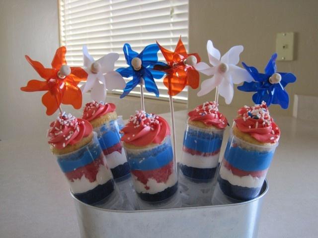 Mini Firework Cupcakes using push up pops