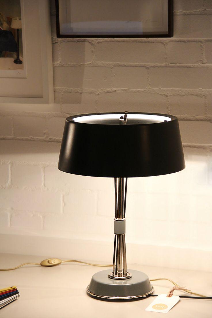 17 besten die sch nsten tischlampen bilder auf pinterest moderne tischlampen tischlampen und. Black Bedroom Furniture Sets. Home Design Ideas