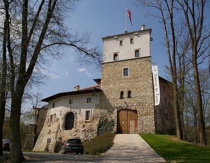 Zamek w Korzkwi -  www.korzkiew.pl