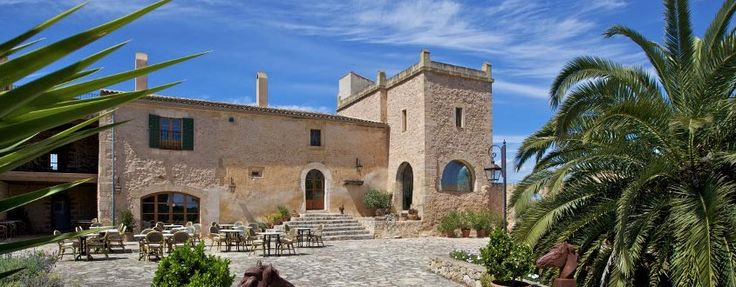 Enjoy a #romantic trip to Mallorca this #autumn and visit Son Amoixa Vell, Manacor, Spain. Visit: http://bit.ly/1ZwyhCU #charming #small #hotels #charmingtravel #travel #trips #mallorca #spain #visitspain #explorespain #spanishhotels #hotelstay #rooms