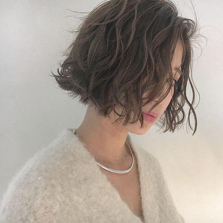 安藤圭哉 SHIMA PLUS1 stylistさんはInstagramを利用しています:「ファッション感を、感じさせれるヘアを提案します #切りっぱなしボブ に #くせ毛風パーマ…」