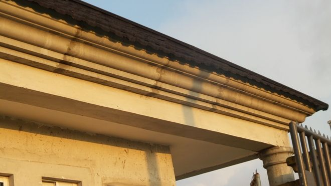 Parapet Concrete Fascia And Other Roofing Styles Properties 3 Nigeria In 2020 Parapet Exterior Window Molding Roofing