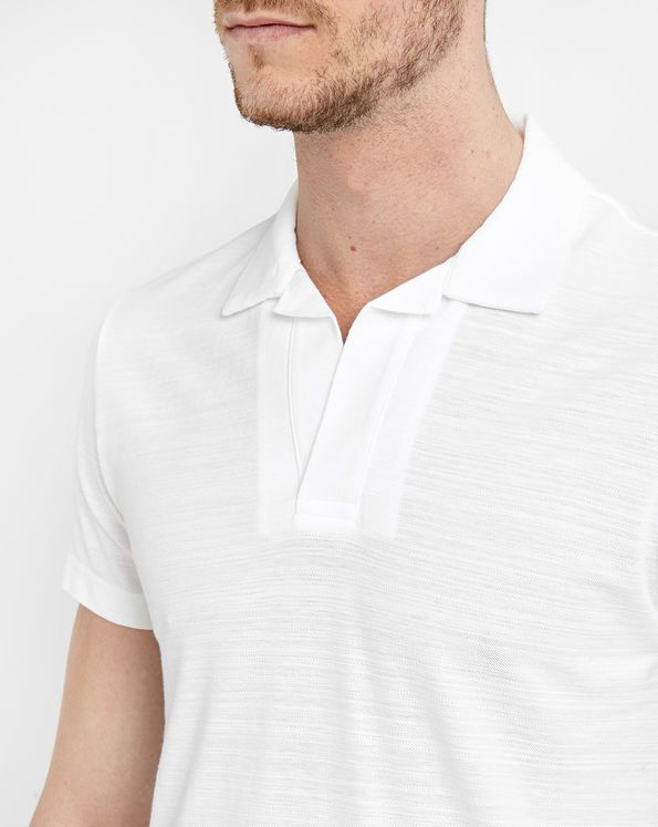 Un superbe polo vintage et classe pour Monsieur ;-) #polo #vintage #blanc #homme #men #fashion http://www.appart-33.com/produit/polo-blanc-slim/