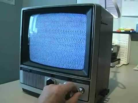 Analog Cell Phones Could Be Listened In On With An Old TV Set [Video] - Back in 1982, being an early adopter could have its drawbacks. With an old TV set, you could listen in on people talking to each other. Crazy!