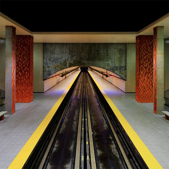 """""""I'm working in Québec for the summer, and I just finished a project on the Montréal Subway. I tried to adopt an original point of view with a central vanishing point."""""""